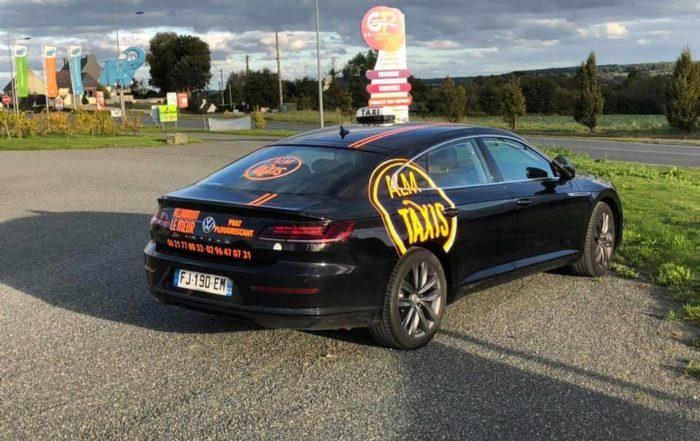Marque publicitaire élégant pour taxi des côtes d'armor